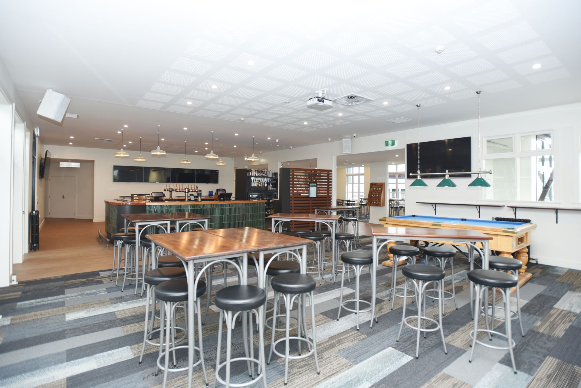 Main area of The Ave Sports Bar Invercargill
